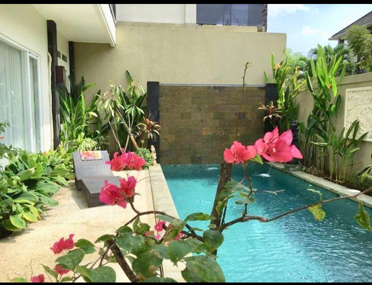 For sale ID:XY-28 jual villa at jimbaran kuta badung bali near gwk ungasan nusa dua